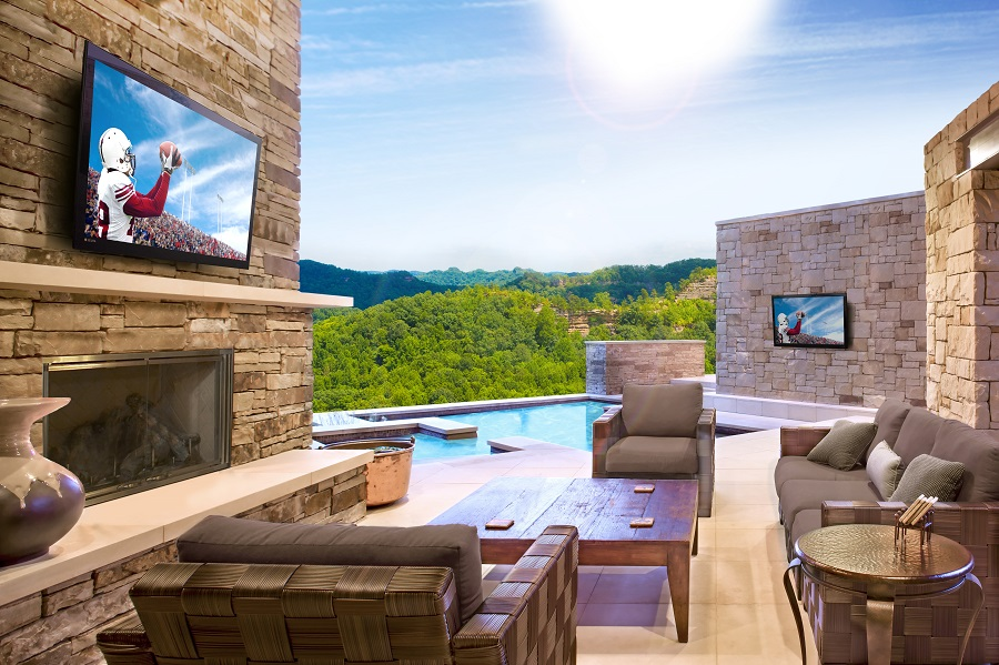 Creating an Outdoor Entertainment Oasis